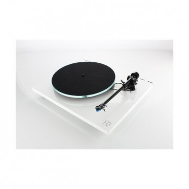 REGA Planar 3 Capsule Carbon Made In UK Available On White, Red or Black